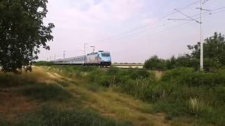 Mai 6 kocsis IC 924 a Gyermekrajzos mozdonnyal.