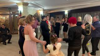 Descarca Live Razvan de la Pitesti si formatia program folclor (botez Targoviste 2019)