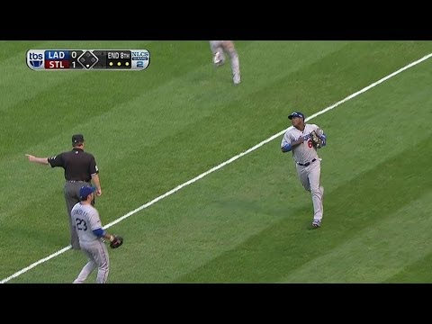 NLCS Gm2: Howell gets flyout, keeps it 1-0 ballgame