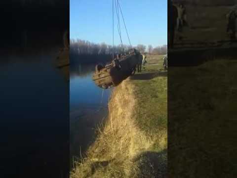 Рыба в машине)!(видео Илья Горовой)