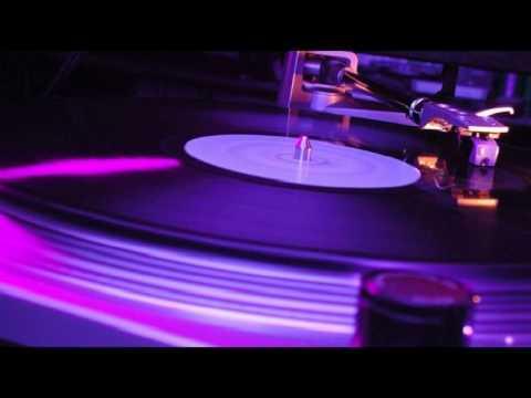 Max Noize & Nello Falcitano - Rock The Beat (Original Mix)