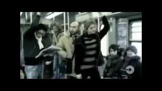 Homem encoxando mulher gostosa no metro