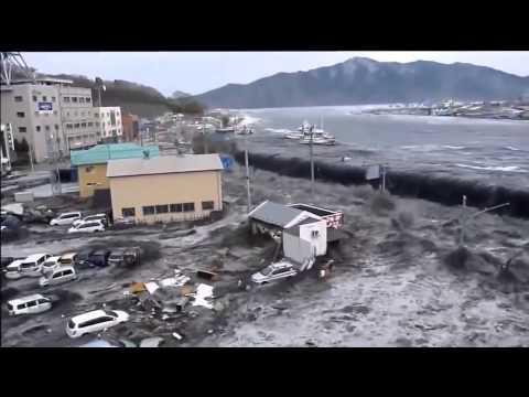 Japan earthquake Tsunami 2011   Shocking video   killing 18000 people