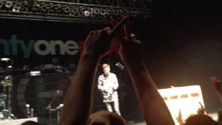 Crowd sings Birthday Song to Tyler Joseph of Twenty|One|Pilots December 1, 2013