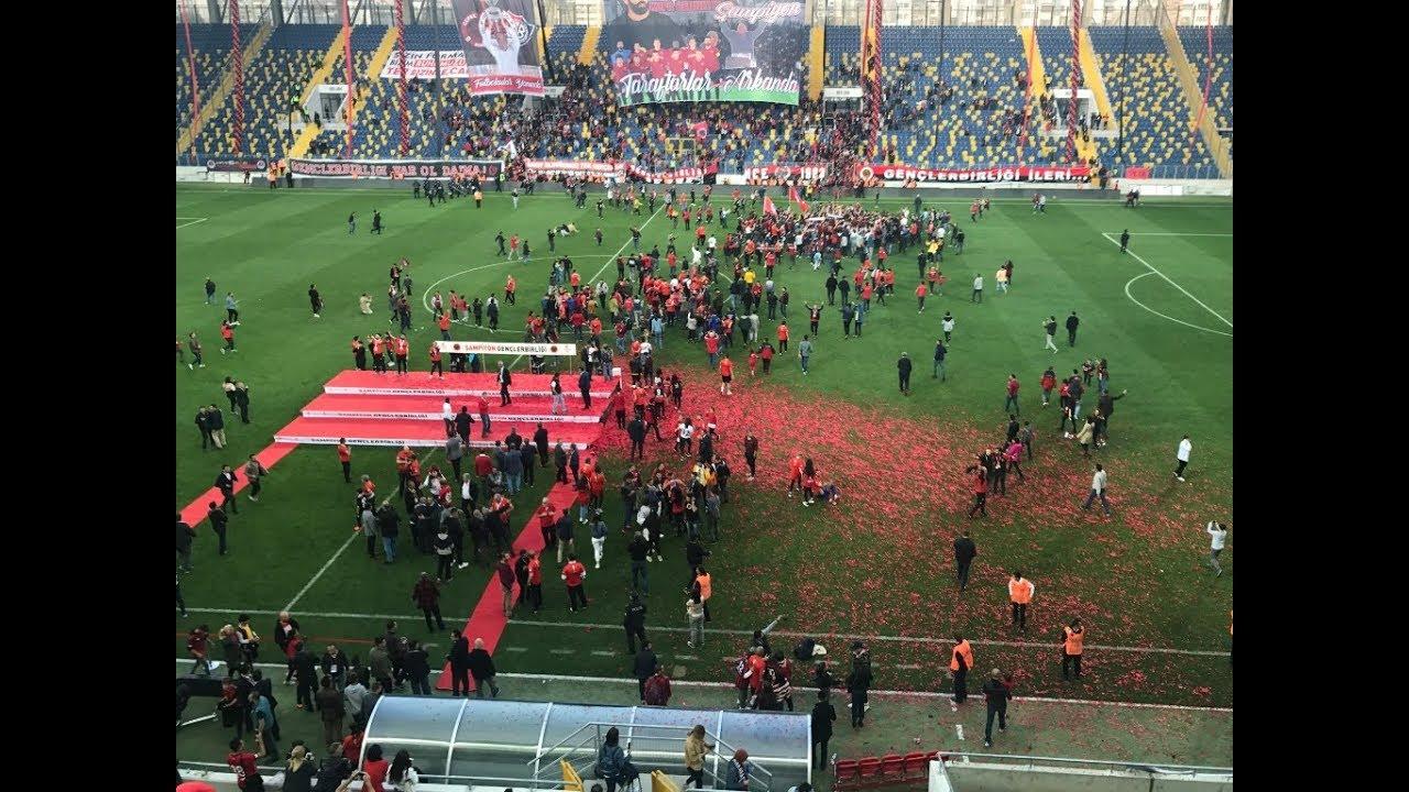 Süper Lig'e yükselen Gençlerbirliği Kupa töreni ve Şampiyonluk coşkusu.
