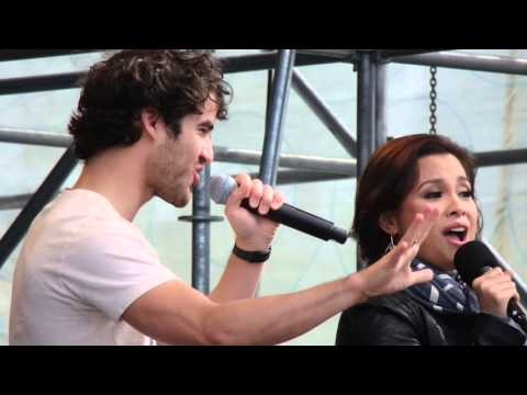 Elsie Fest: Lea Salonga & Darren Criss - A Whole New World