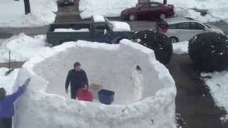 Time Lapse - Construction Of Gigantic Igloo