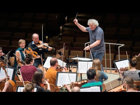 The BE PHIL Orchestra conducted by Sir Simon Rattle