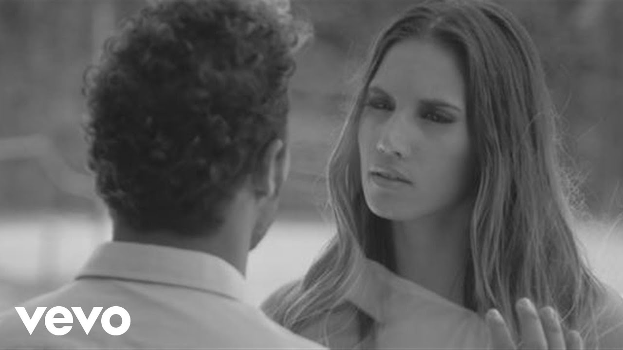 Download India Martinez - Olvide Respirar ft. David Bisbal (Official Video)