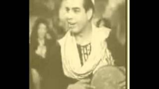 عنتر هلال يحكي قصة المكوجي الذي أصبح من أهم شعراء اﻻغنية بالصدفة