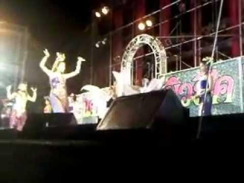 วงดนตรีน้องเต้น มิวสิค รำไทย4ภาค