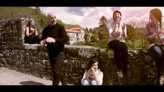 Xabier Díaz & Adufeiras de Salitre - Cantiga da Montaña