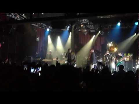 "The Roots ""SLEEP"" Live"
