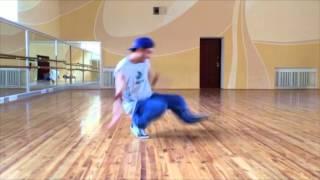 Брейк Данс для начинающих видео. 12 Footwork - видео № 2(Брейк Данс для начинающих видео. 12 Footwork - видео № 2. Остальные уроки смотрите здесь https://vk.com/i_am_b_boys Игральные..., 2014-10-14T14:37:33.000Z)