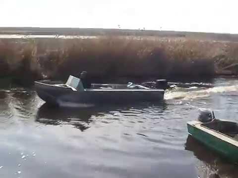 самодельная алюминиевая лодка плоскодонка.