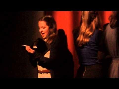 Atriz Joana Tavarescesar faz de Anne Frank