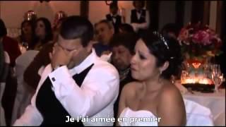 Père chante à un mariage