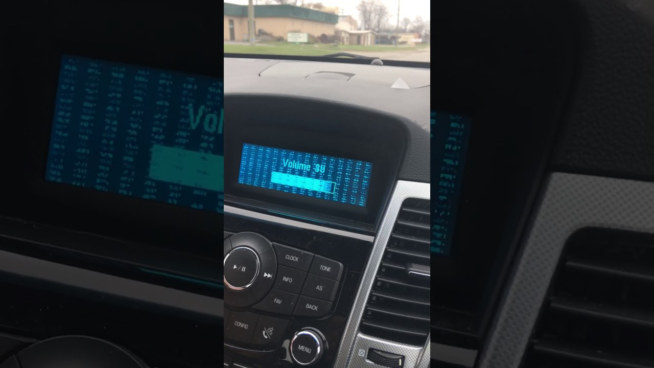 Chevy Cruz 2011 radio issues