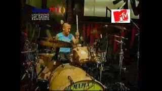 MTV Exit 2012- Pass Band Jengah