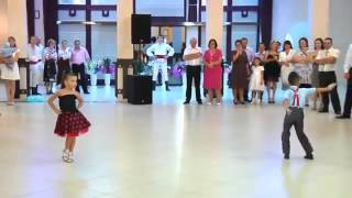 Awesome couple Kids dancing a Latin Dance better than any other couple
