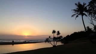 Sunrise at Zinkwazi Beach(Canon 6D - Movie Mode., 2014-05-08T16:07:02.000Z)