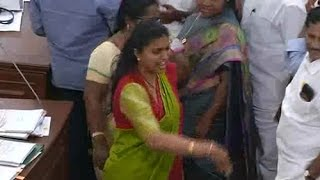 Download Video Actress Roja Goes Vulgar in AP Assembly MP3 3GP MP4