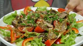Салат с куриной печенью. Два варианта салата на выбор.