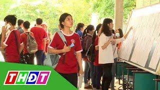 Thí sinh làm thủ tục dự thi THPT quốc gia 2017 | THDT