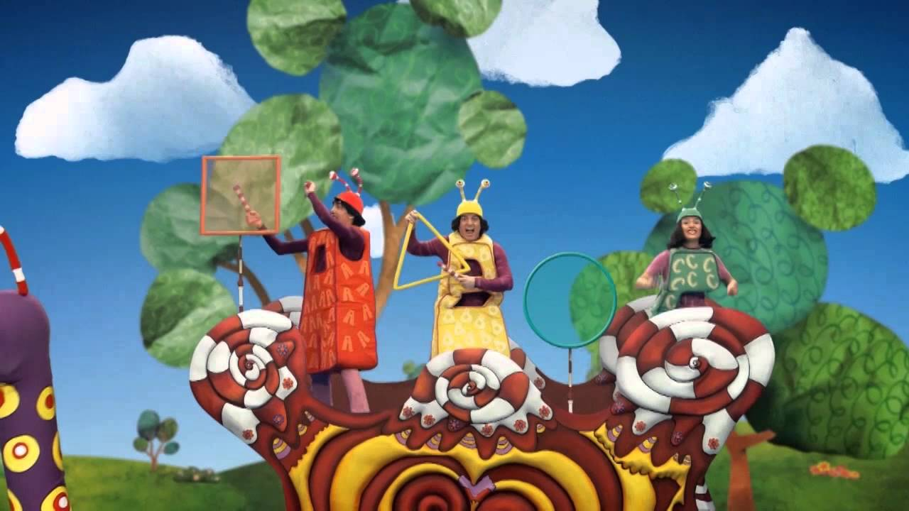 El jard n de claril cantando con los abc youtube for Aeiou el jardin de clarilu