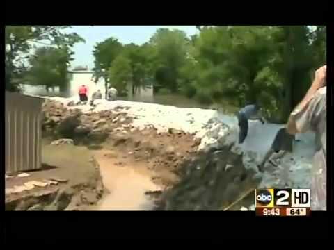 Arkansas Man Build Moat to Save House