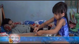 Vợ nhẫn tâm bỏ chồng bại liệt sau tai nạn cho con 8 tuổi chăm sóc đỡ đần