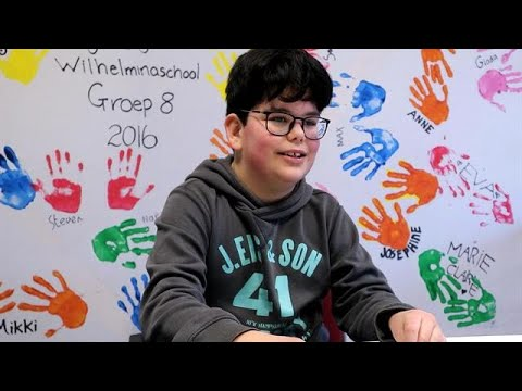 Youtube Kids: 'Ik heb Call of Duty, dan is dit saai' - RTL NIEUWS thumbnail
