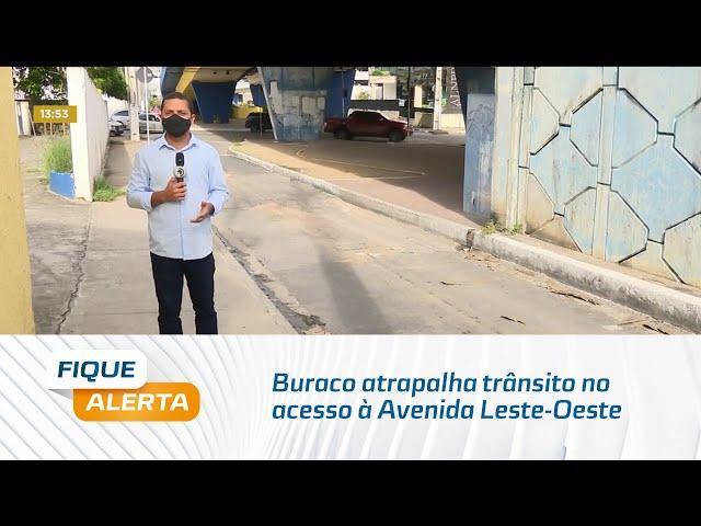 Viaduto João Lyra: Buraco atrapalha trânsito no acesso à Avenida Leste-Oeste