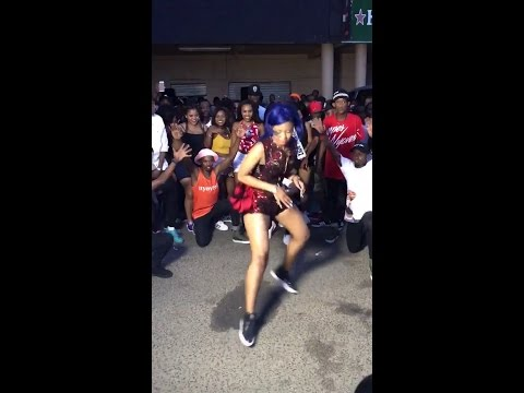 babes Wodumo crazy dance moves at music video shoot