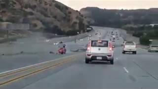 байкер пнул авто и устроил серьезное ДТП