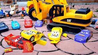 АВАРИЯ! #МАШИНКИ Молния Макуин и Крус Рамирес Cars3 на управлении Распаковка #промашинки pixar cars