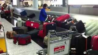 Для чего нужна упаковка багажа Часть 3(Упаковка багажа в аэропортах России. Безопасность Вашего багажа - это наша работа!!! www.packandfly.ru PACK&FLY предоста..., 2013-05-14T09:20:55.000Z)