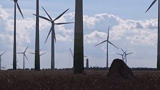 Windpark mit Vestas V-126, V-112, V-90, V-80, Enercon E-40, E-66, E-115 Windkraftanlagen