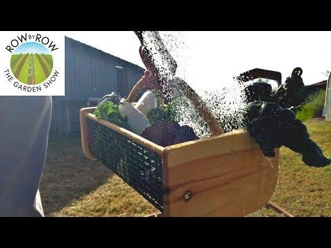 The Best Gardening Gifts Under $20
