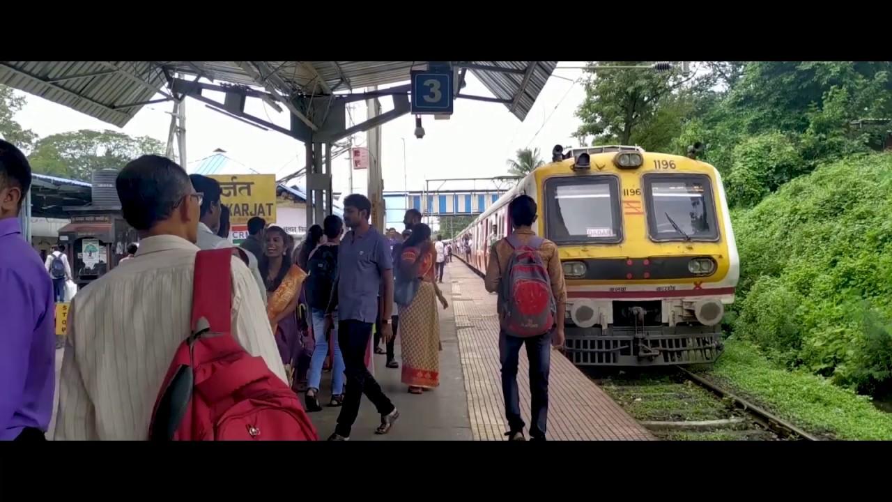 Mumbai Max Travelling Karjat To Khopoli Mumbai Local Train.