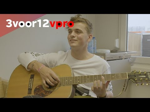Martin Garrix on guitars, flamenco and performing live