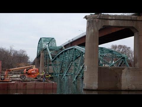 Illinois River bridge gets blown up