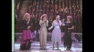 Loretta Lynn & Crystal Gale & more - Medley  at George Bush gala 1987