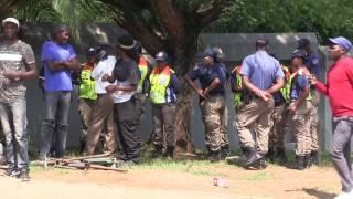 Repeat youtube video Metro cops shut down Da L.E.S's swanky All White Party