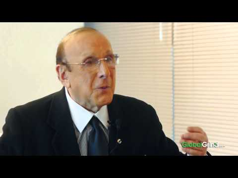Clive Davis Opens Up About His Bi-Sexuality & Last Moments With Whitney Houston