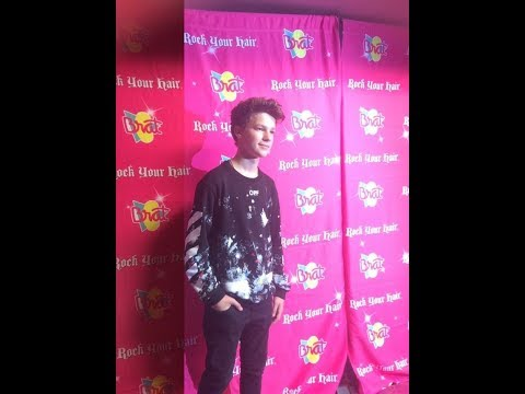 Thumbnail: Hayden Summerall and Annie leBlanc singing at rock your hair concert