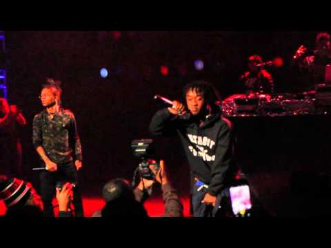 Rae Sremmurd performs ( YNO ) in the No Fly Zone