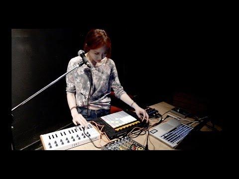 유카리 Yukari Live Short clips @ Yogiga gallery , Seoul