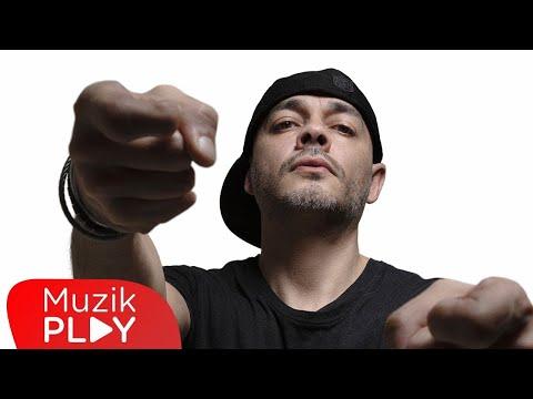 Ceza - Yeni Mesaj (Official Video)