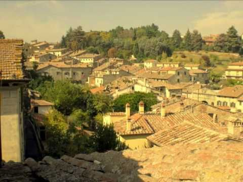 Val Tiberina (AR) Tuscany Italy  /  Travel Slideshow